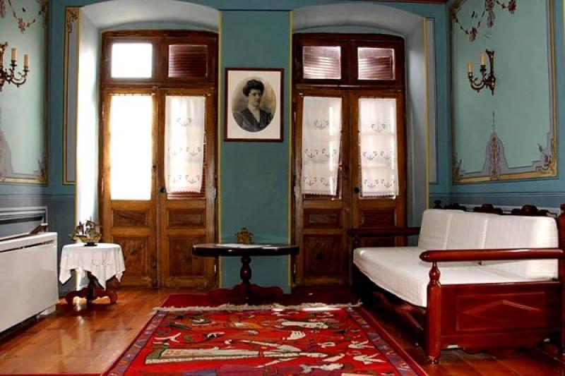 Heerenhuis Aeginitiko Archontiko - Aegina - Aegina